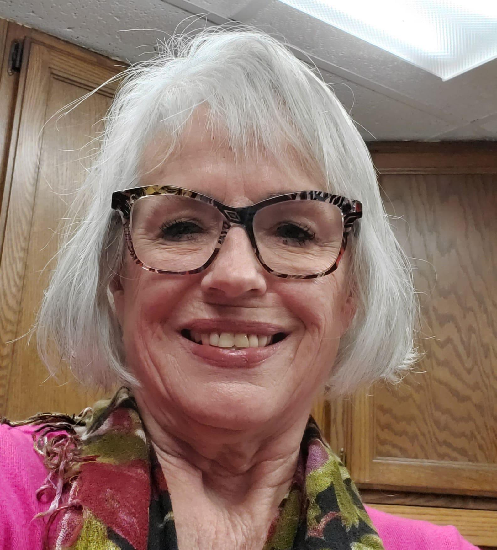 Gwen L Ray